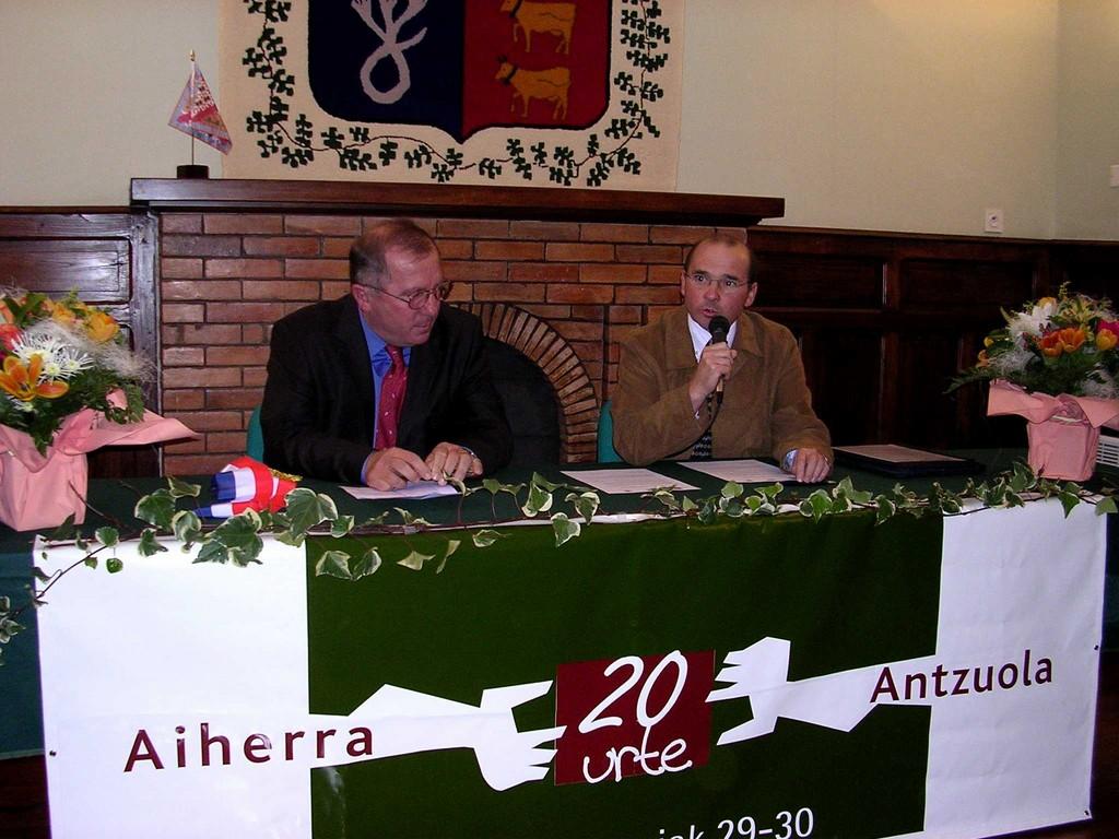 Aiherra Antzuola 20 urte - 20041029-30 (10)