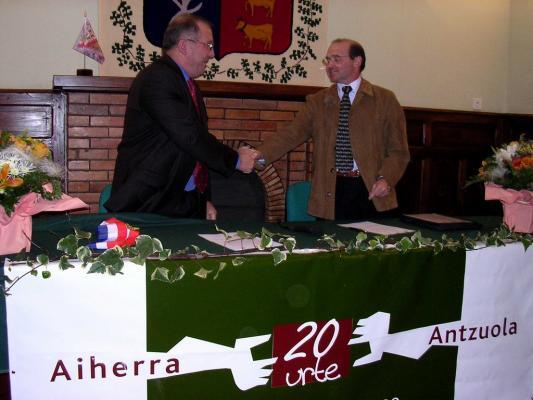 Aiherra Antzuola 20 urte - 20041029-30 (11)