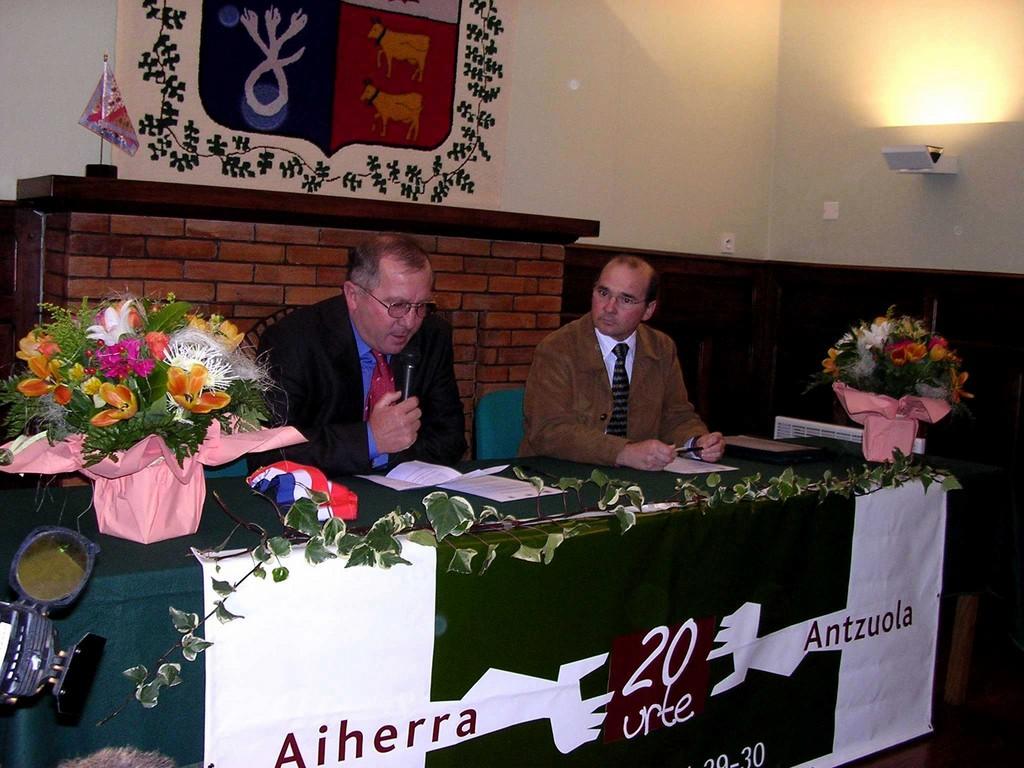 Aiherra Antzuola 20 urte - 20041029-30 (7)