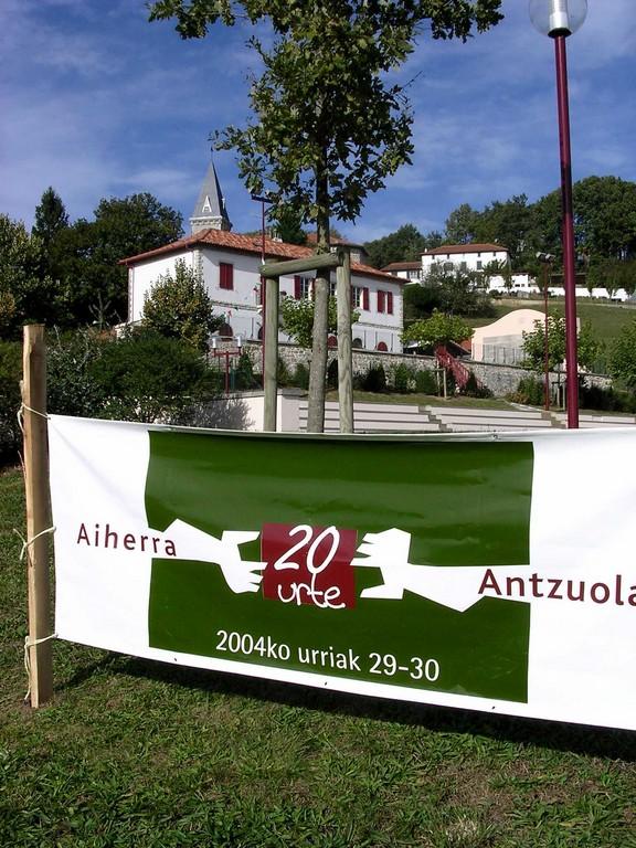 Aiherra Antzuola 20 urte - 20041029-30